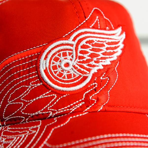 Купить зимнюю бейсболку Detroit Red Wings